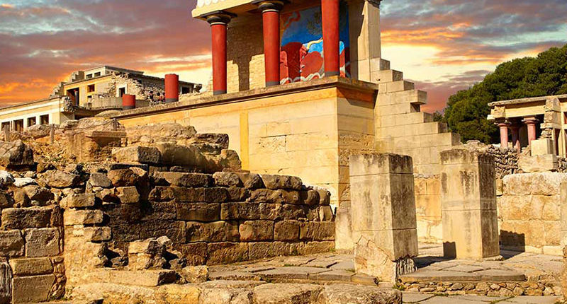 Knossos Minoan Palace Excursion with Taxi Or mini Coach by Chania Transfer Services